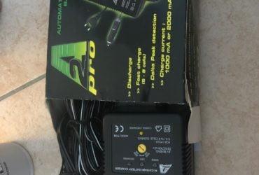 Chargeur batterie 1000/2000 Mah