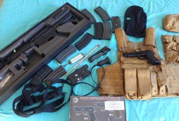 Répliques Colt M4 RIS Kings Arms + Chargeurs,et  Beretta m92 WE, Gilet tactique CIRAS Swiss Arms, lunettes tactiques et vrac