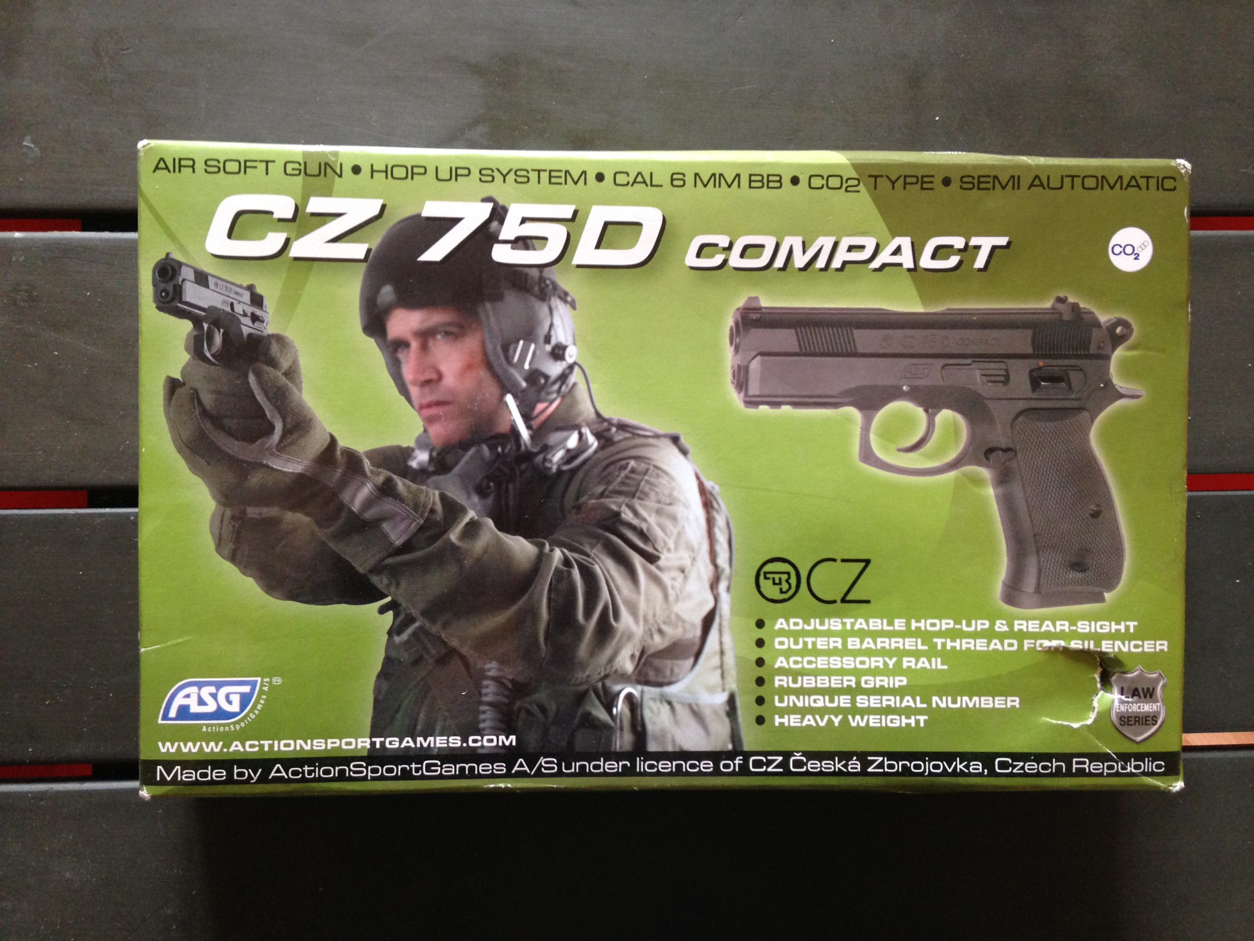 cz 75d compact cartouche co2 occasion