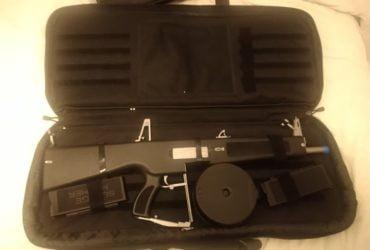AA12 avec drum, 2 chargeurs et housse