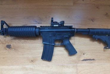 M4A1 CAL.5.56MM + VISEUR POINT ROUGE SWISS ARMY